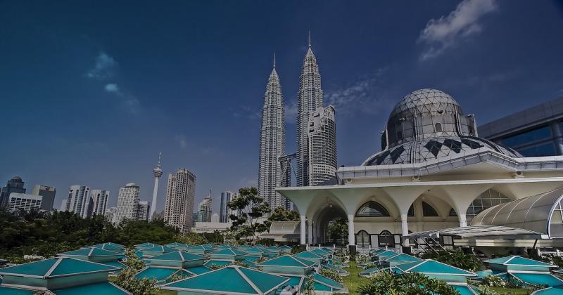 ۱۰ تا از بهترین جاذبه های گردشگری مالزی